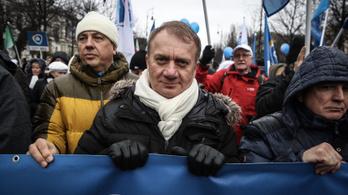 Vádat emelt az ügyészség Varju Lászlóval szemben