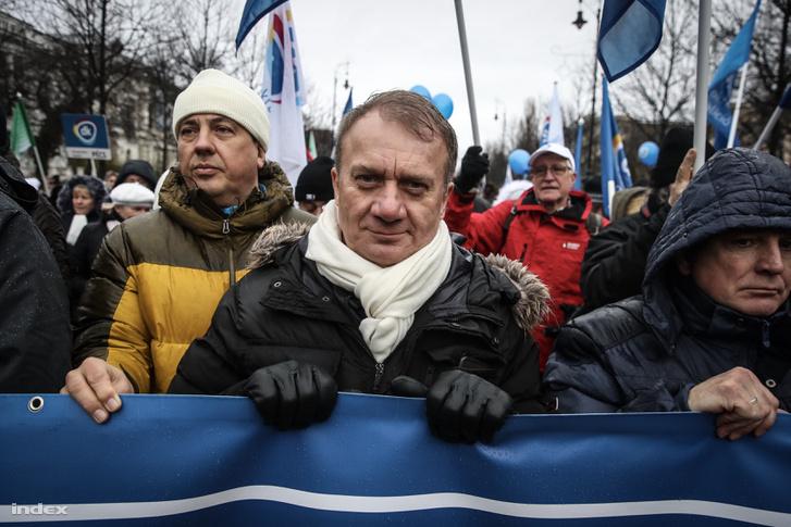 Varju László a túlóratörvény elleni tüntetésen 2019. január 5-én