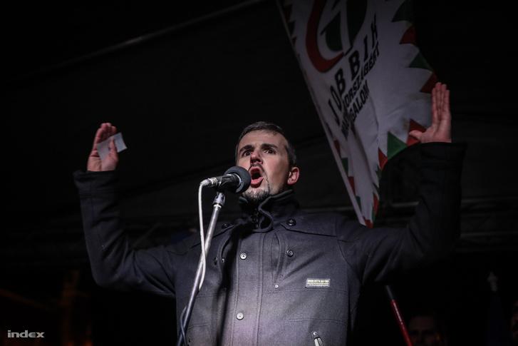 Jakab Péter (Jobbik) felszólal a Kossuth téri tüntetésen 2018. december 5-én