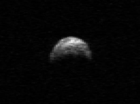 A 2005 YU55 kisbolygóról készült eddigi legrészletesebb radartérkép.