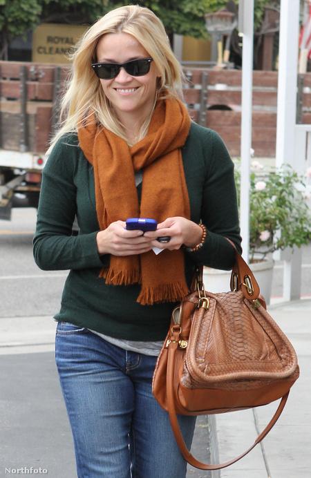 A színésznő a bűnös táskával