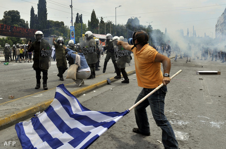 A tüntetők gyakran össze is csaptak a rendőrökkel