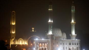 Bomba robbant egy kairói keresztény templomnál, egy tűzszerész meghalt