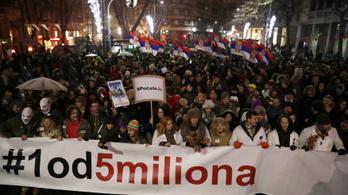 Öt hete tüntetnek a szerb elnök ellen