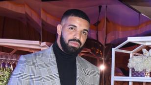 Drake koncert közben megcsókolt egy 17 éves lányt a színpadon