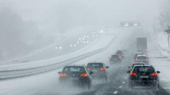 Két ember meghalt a havazás miatt Németországban