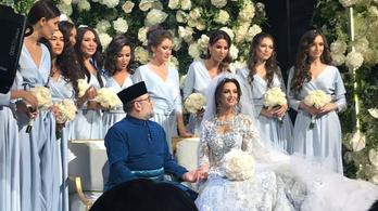 Lemondott Malajzia királya, miután összeházasodott egy volt orosz szépségkirálynővel