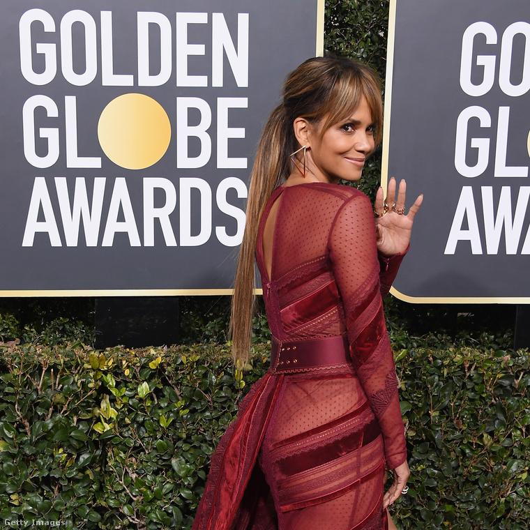 Ezzel most búcsúzunk, de hamarosan még több Golden Globe-os ruhával jelentkezünk, úgyhogy ne menjen messzire!viszlát!