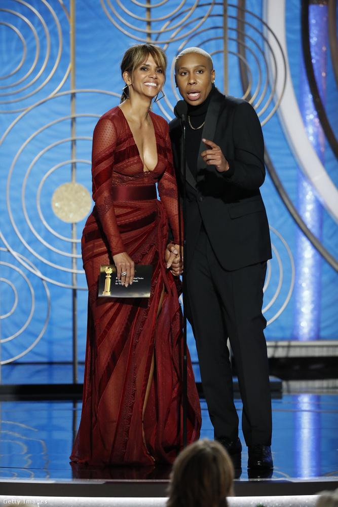 Berry egyébként nemcsak vonulni és pózolni ment a gálára, hanem díjat is adott át.Egyébként tudja, még ki dolgozott idén a Golden Globe-on? Vastag Csaba, aki Nicole Kidmannel interjúzott.
