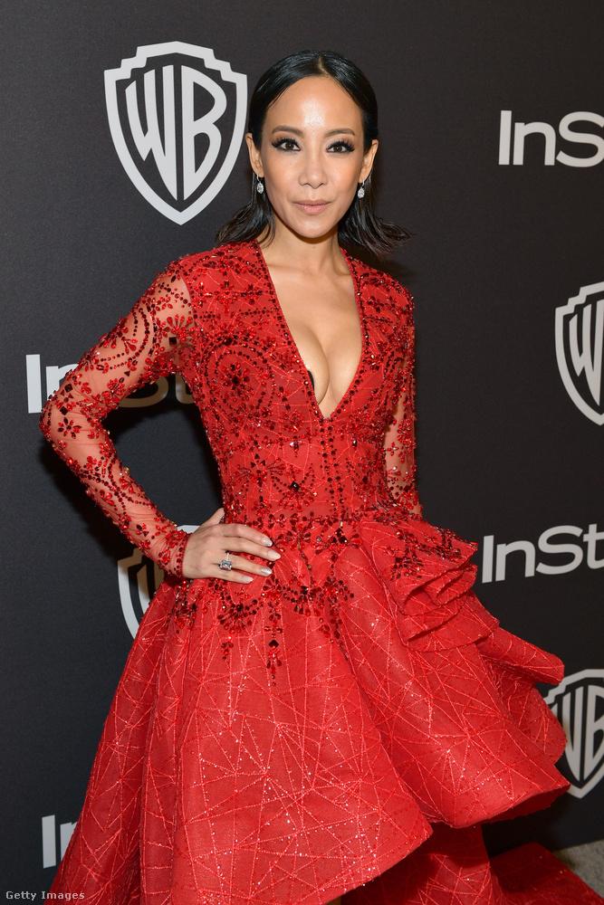 Fiona Xie, a Kőgazdag ázsiaik sztárja annyira jól nézett ki ebben a piros ruhában,...