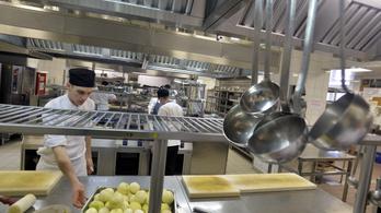 850 forint egy ebédmenü, 260 egy somlói a Miniszterelnökség új Gundel-menzáján