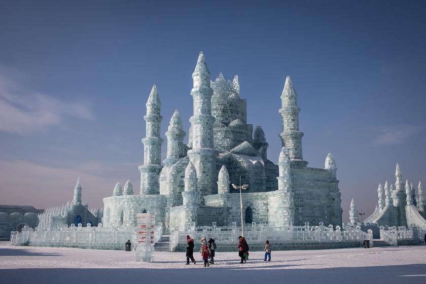Jégkastély a 35. Harpini Nemzetközi Jég- és Hófesztiválon.