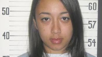 Kegyelmet kapott a lány, aki 16 évesen gyilkolt, de celebek küzdöttek a szabadulásáért