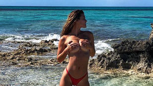 Nina Agdal nem fagyoskodott Turks- és Caicos-szigeteken