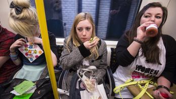 Betiltják az evést a bécsi metrókocsikban