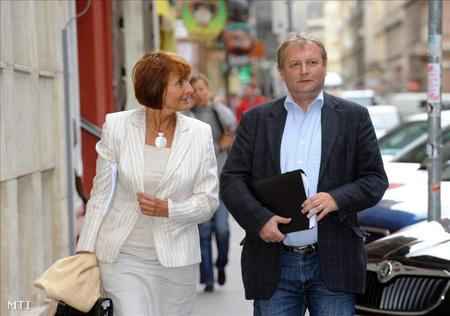 Lendvai Ildikó és Hiller István 2011 októberében