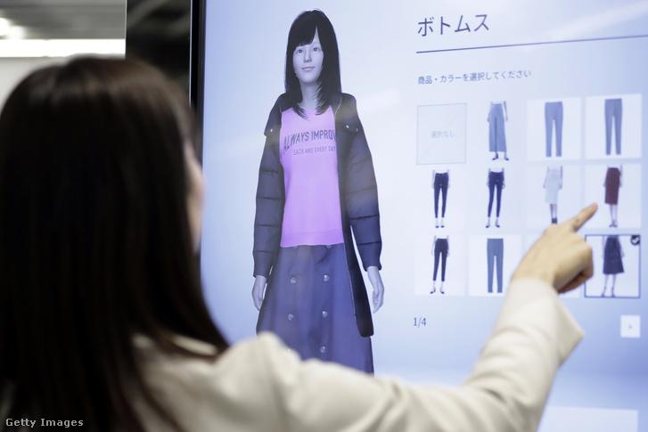 Virtuális ruhapróba a GU Style Studio egyik ázsiai boltjában.