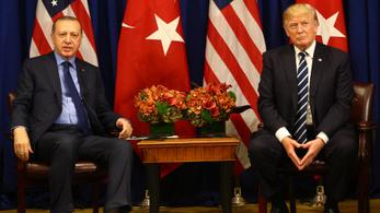 Trump kontra Erdogan: kezd elmérgesedni a török-amerikai üzengetés