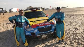 Szalayék feljöttek a 30. helyre a Dakar-ralin