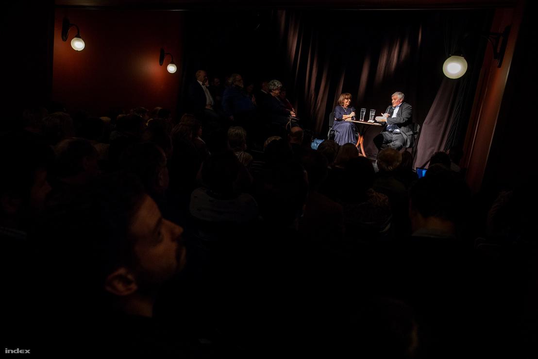 Gulyás Márton a terem végében ülve hallatta Puch Lászlót