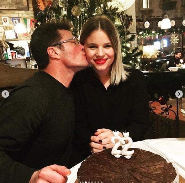Stohl András középső lánya, Rebeka januárban ünnepelte 22. születésnapját.