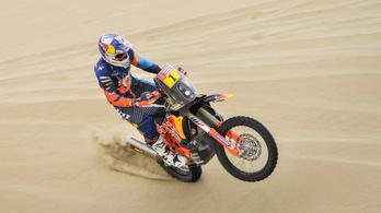 Szorongatja a Honda a KTM-et a Dakaron