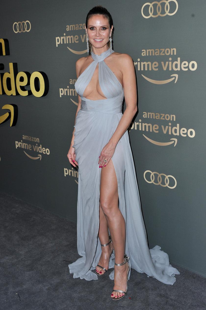 Heidi Klum nem szégyenlősködött: igazán büszke a dekoltázsára.