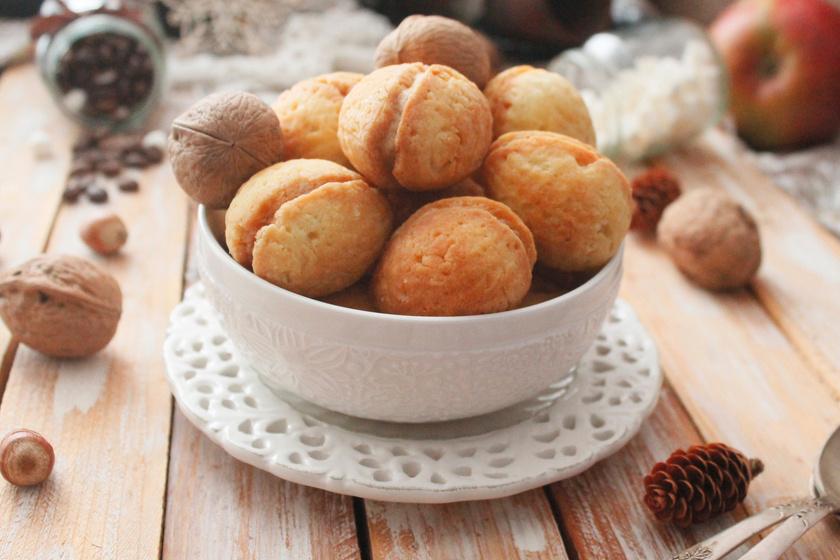 A töltött dió sütemény nagyiféle receptje: egy-két nap után még finomabb lesz