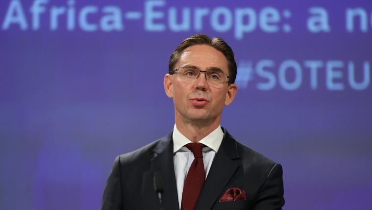 Finn EU-biztos: Ne költse európai adófizetők pénzét olyan ország, ahol nem tisztelik a jogállamiságot