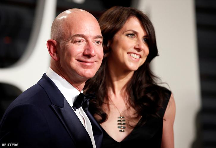 Jeff Bezos és felesége, MacKenzie Bezos 2017-ben