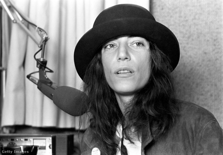 Patty Smith 1978-ban, a Rolling Stones előtti koncertjéről adva interjút