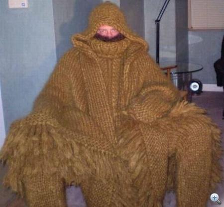Woolies, így hívják a gyapjúfétiseseket. Ők azok, akik tetőtől talpig vastag, kötött kezeslábasba öltöznek, csak a szemüknél, a szájuknál és a genitáliáknál van egy kis rés, amin lehet velük érintkezni.