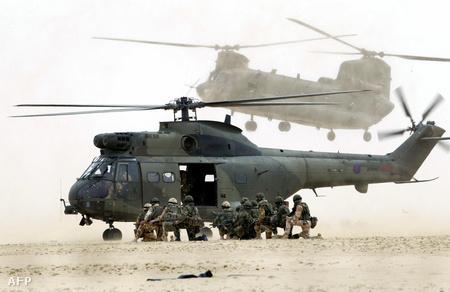 A RAF egyik Puma típusú csapatszállító helikoptere