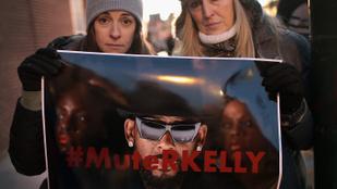 Lady Gagának már kínos R. Kellyvel közös dala