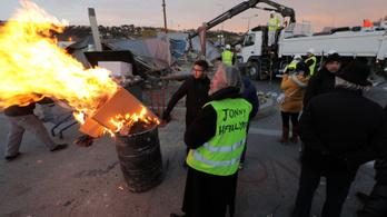 A sárgamellényesek sorban rongálják a traffipaxokat Franciaországban