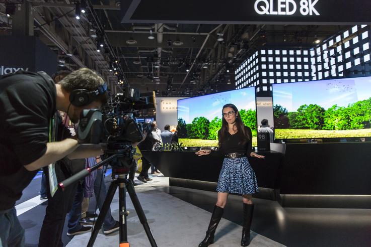 A Samsung QLED 8K tévéi élénk érdeklődést váltottak ki.