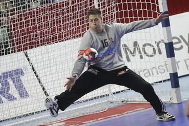 Mikler Roland kapus az olimpiai kvalifikációs férfi kézilabda Európa-bajnokság középdöntőjének 2. csoportjában vívott Spanyolország - Magyarország mérkőzésen a lengyelországi Wroclawban 2016. január 26-án.