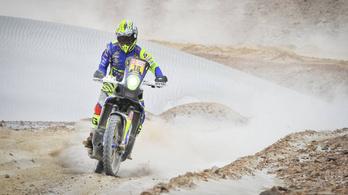 Este nem segíthettek a szerelők a Dakar versenyzőinek