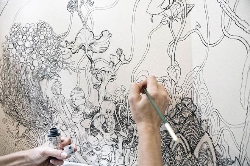 A kézzel rajzolt mintákhoz nem kis kézügyességre van szükség - bár a vonalak nem bonyolultak, az igazán lenyűgöző összképhez szükség van tehetségre.
