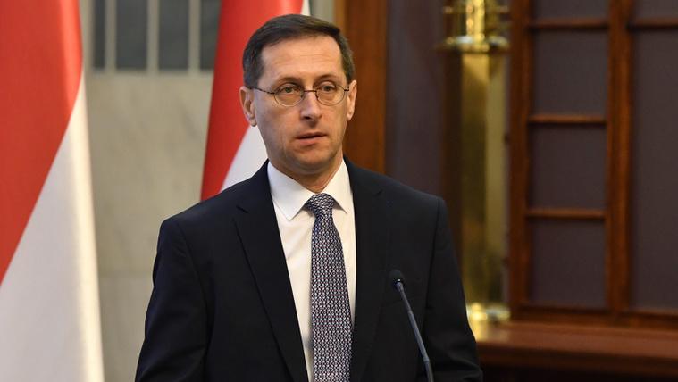 Varga: A tranzakciós illeték megszüntetésén gondolkodik a kormány
