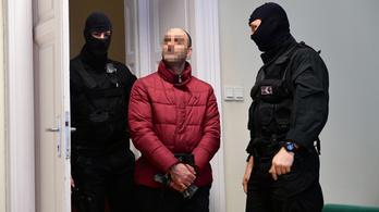 Ahmed H. feltételes szabadlábra kerül, kitoloncolják az országból