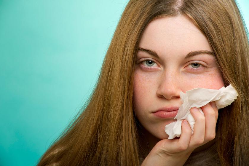 Létezik téli allergia is: hogyan kezelhetőek ilyenkor a kínzó tünetek?