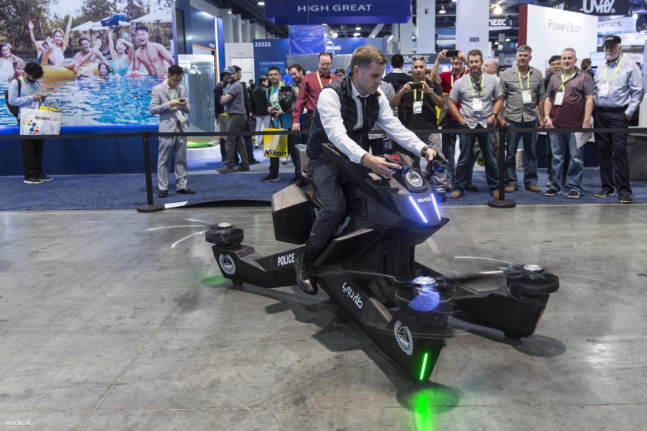 Az S3 2019 Hoverbike egy egyszemélyes elektromos légijármű. A 150 000 dolláros  kvadkopter iránt pl. a dubai rendőrség i érdlődik.
