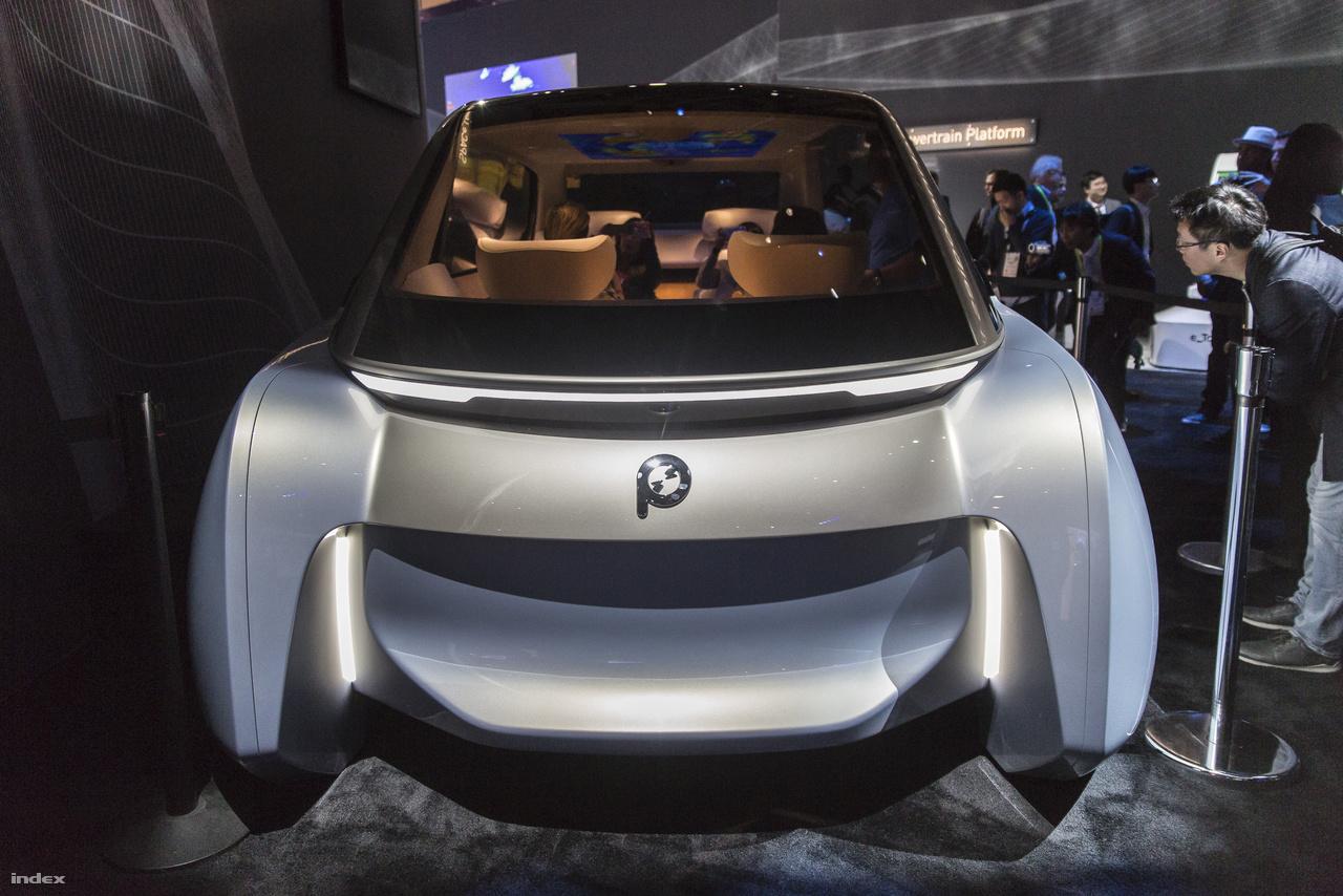 """A Panasonic SPACe_L egy négyszemélyes önvezető személyautó, vagy ahogy a cég hívja, """"autonóm kabin""""."""