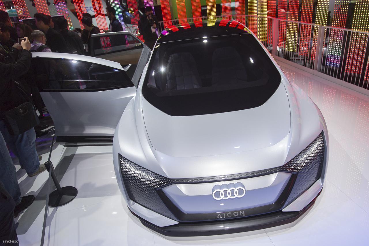 Az Audi Aicon önvezető elektromos koncepcióautót 2018-ban mutatták be. Igen, ebben az Audiban már nincs kormánykerék.