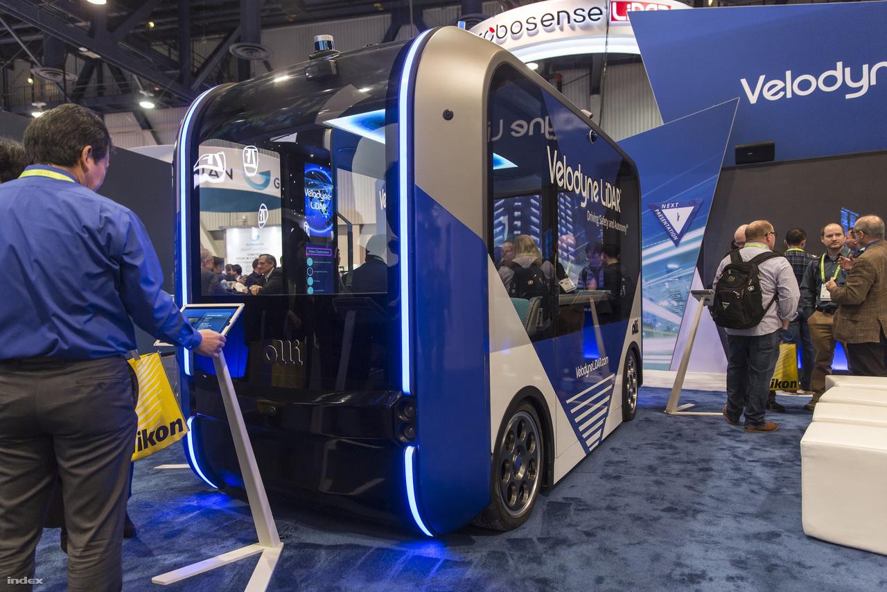 Az amerikai Local Motors is elektromos önvezető városi kisbuszt fejleszt, ez itt az Olli.