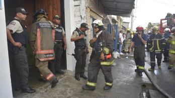 Felgyújtották az elvonót a lakók, hogy megszökhessenek, 18-an bent égtek
