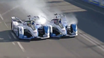Dráma a Formula-E-ben: egymást lökte ki az élről a két BMW-s