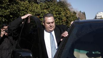 Lemondott a görög védelmi miniszter a macedón névváltoztatás miatt