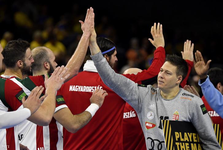A magyar válogatott játékosai ünneplik győzelmüket a német-dán közös rendezésű férfi kézilabda-világbajnokság csoportkörének 2. fordulójában játszott Magyarország - Angola mérkőzés végén Koppenhágában 2019. január 13-án.